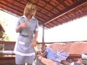 La criada latina acaba con su culo perforado