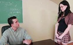 El profesor recibe como regalo de su alumna un polvazo