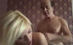 Sexo duro con mi tío para hacer realidad mi fantasía