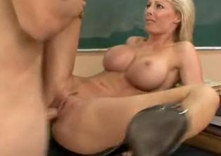 La profesora le asegura el sobresaliente