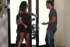 Danica Dillon se folla a su marido y a uno de sus amigos