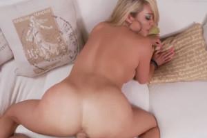 Esposa culona acaba a cuatro patas gozando de su marido