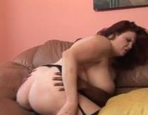 Esta madura obesa se da un capricho