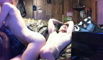 Graban porno casero con la webcam conectada