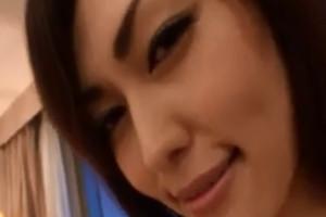 Sexy japonesa folla con su ligue y recibe un creampie
