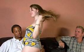 Un mulato penetró a su dulce mujer