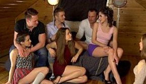 Zorras rusas prueban una orgía bestial
